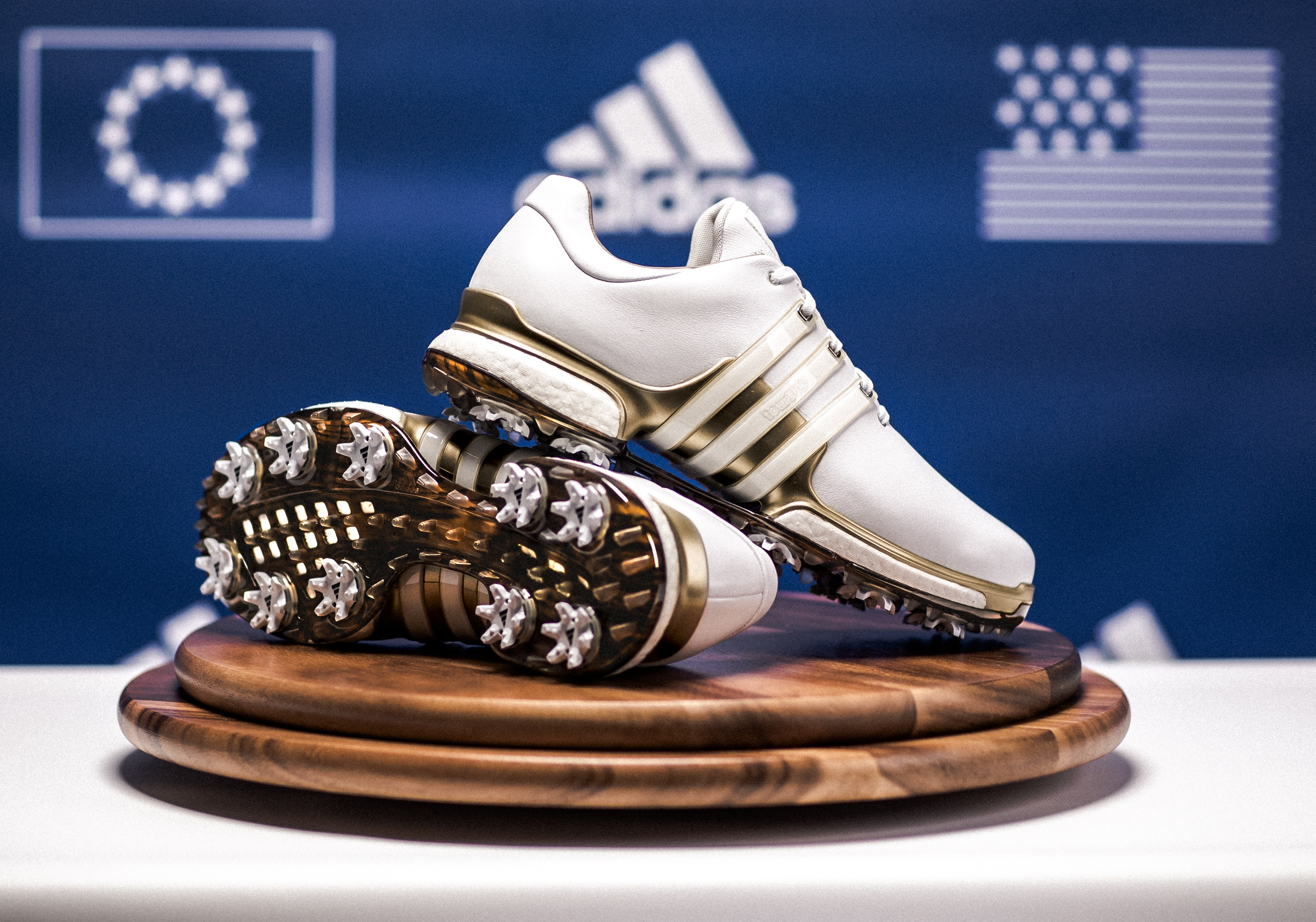 Adidas Tour360 i limited edition Ryder Cup-version